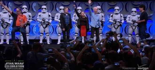 Fanáticos de 'Star Wars' celebram em convenção na Califórnia