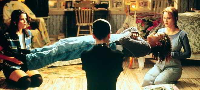 Sony Pictures tem em marcha uma nova versão do filme de 1996 'O Feitiço'
