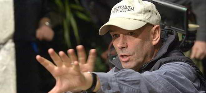 Martin Campbell em negociações para realizar a adaptação de 'The Chinaman'