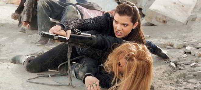 Assista ao trailer português de 'Barely Lethal - Missão Adolescência'