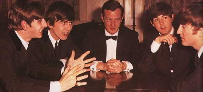 Nicholas Hoult e Jack O'Connell apontados para a cinebiografia do quinto Beatle