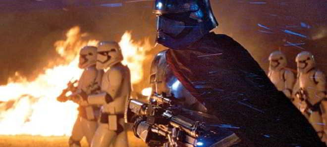 EW divulgou várias fotos de 'Star Wars: O Despertar da Força'