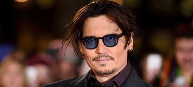 Johnny Depp em negociações para protagonizar 'Triple Frontier'