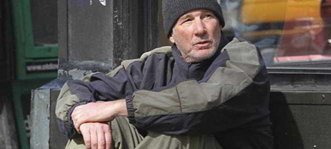 Richard Gere é um sem-abrigo no trailer em português de 'Viver à Margem'
