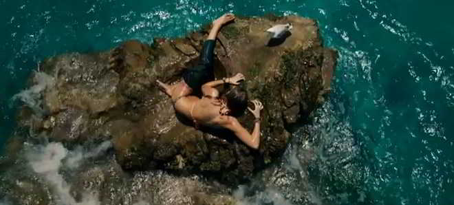 Blake Lively no primeiro primeiro teaser trailler de 'The Shallows'