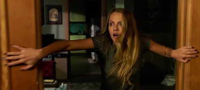 'Lights Out - Terror na Escuridão': Trailer legendado em português