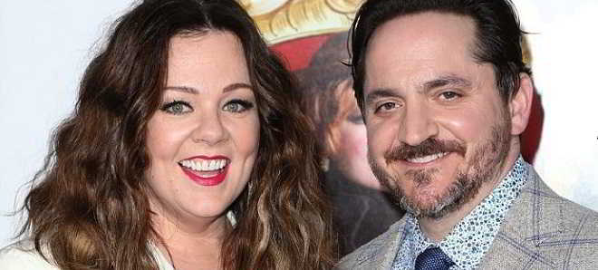 Melissa McCarthy e o marido Ben Falcone juntos na comédia 'Life Of The Party'
