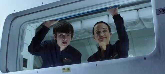 Asa Butterfield_trailer The Space Between Us