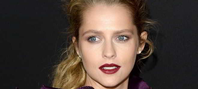 Teresa Palmer confirmada no Thriller de ficção científica 'The Twisted'