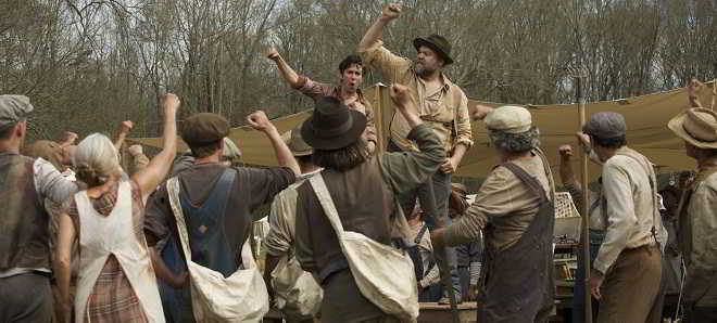 Primeiro trailer de 'In Dubious Battle' com Selena Gomez e Nat Wolff