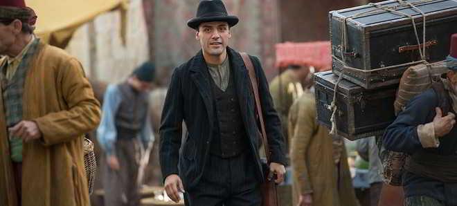 Christian Bale e Oscar Isaac nas primeiras imagens do drama 'The Promise'