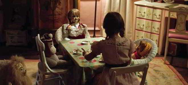 Revelado o teaser trailer em português do thriller de terror 'Annabelle 2'