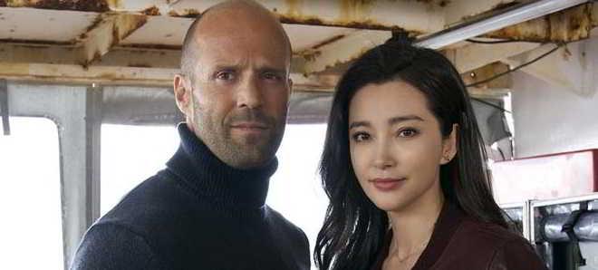 Jason Statham e Li Bingbing na primeira foto do thriller 'Meg'