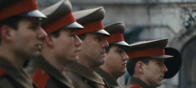 Trailer português de 'A Infância de um Líder', com Robert Pattinson