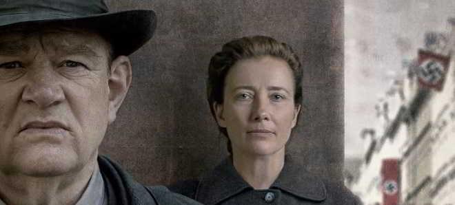 'Sozinhos em Berlim': Trailer português do drama com Brendan Gleeson e Emma Thompson