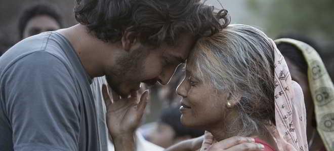 Trailer português de 'Lion: A Longa Estrada Para Casa' com Dev Patel