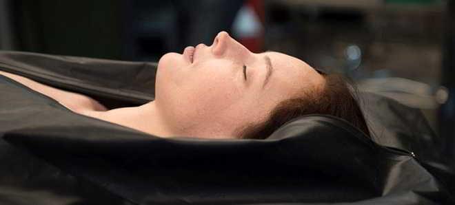 Trailer português do filme de terror 'A Autopsia de Jane Doe'