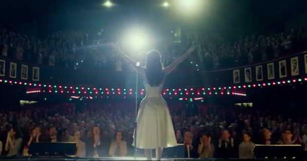 Trailer legendado em português da cinebiografia de 'Dalida'