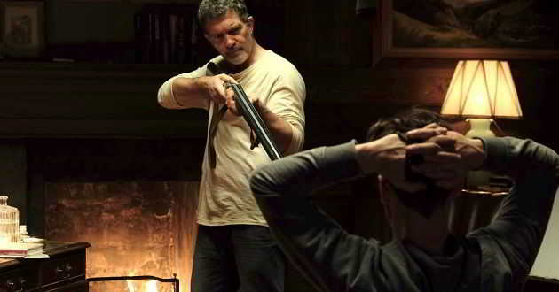 Antonio Banderas e Jonathan Rhys Meyers no trailer português de 'Borboleta Negra'