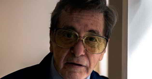 Primeira imagem de Al Pacino caracterizado como o treinador Joe Paterno