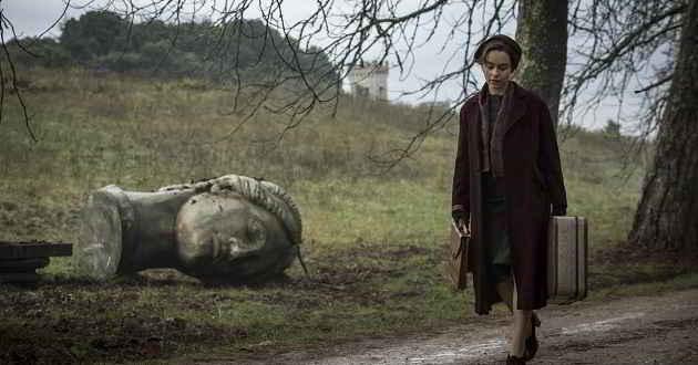 Trailer português do thriler com Emilia Clarke, 'Pedras Sombrias'