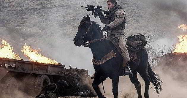 Chris Hemsworth lidera soldados de cavalaria no trailer português de