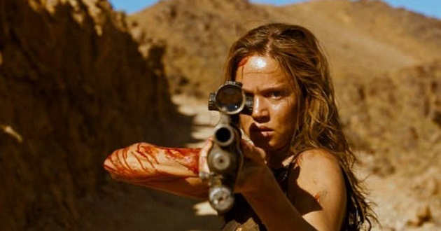 Matilda Lutz busca vingança no trailer do thriller de ação de