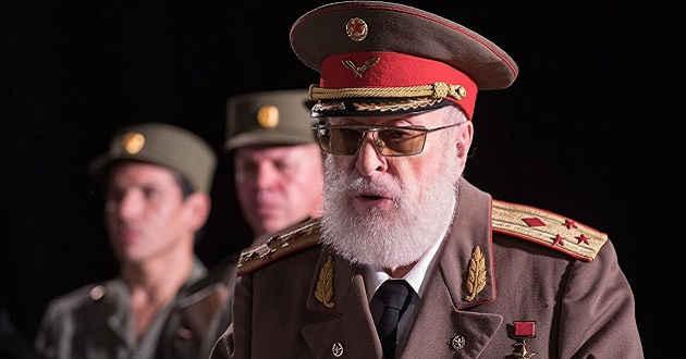 Michael Caine no trailer português da comédia