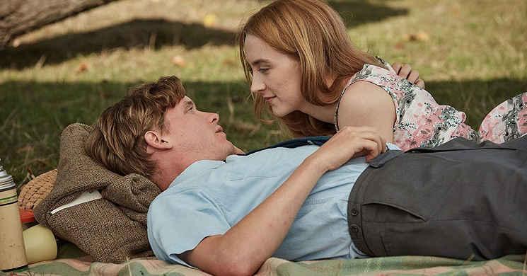 Saoirse Ronan no trailer português do drama romântico