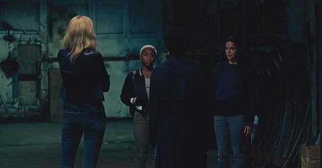 Viola Davis e Michelle Rodriguez planeiam um assalto no primeiro trailer de