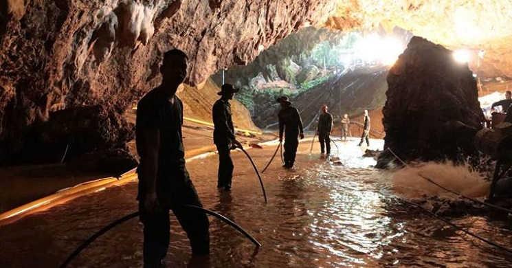 Resgate das crianças e treinador na gruta da Tailândia poderá ser contada num filme