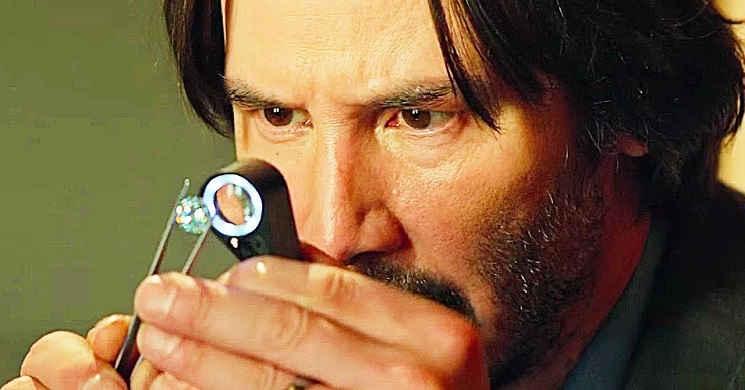 Keanu Reeves é um negociante de diamantes no trailer português de