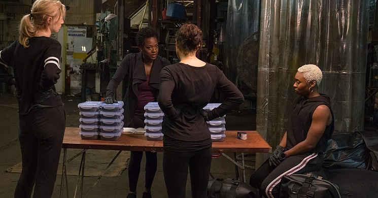 Viola Davis organiza e lidera um assalto no novo trailer de