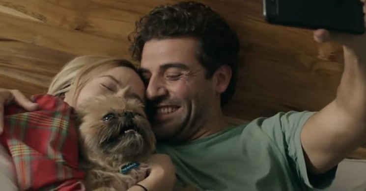 Olivia Wilde e Oscar Isaac vivem uma grande história de amor no trailer português de