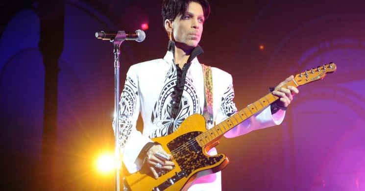 Universal está a desenvolver um filme inspirado nas clássicas músicas de Prince