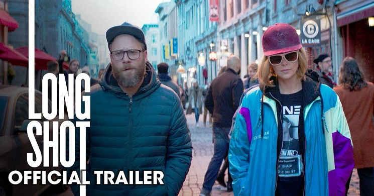 O improvável romance entre Charlize Theron e Seth Rogen no trailer da comédia