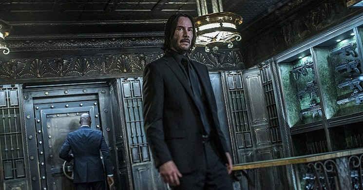 Keanu Reeves está preparado para a guerra. Novo trailer oficial de
