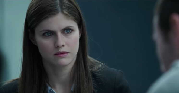 Alexandra Daddario no elenco do filme Happy Life