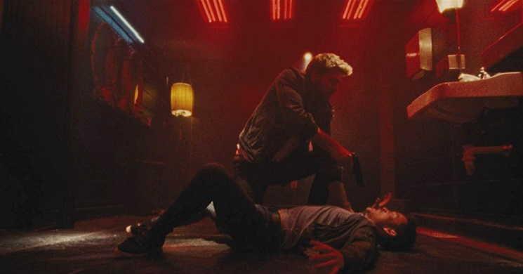 Liam Hemsworth perde a memória no trailer português do thriller