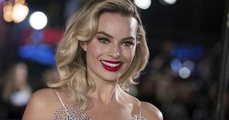Margot Robbie em negociações para produzir e protagonizar a comédia