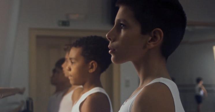 Estreia do filme Infância, Adolescência, Juventude