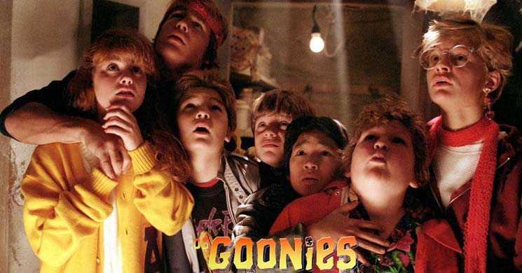 Josh Gad reune elenco do filme Os Goonies