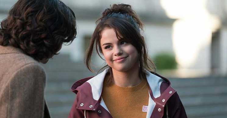 Selena Gomes vai protagonizar o filme de terror Dollhouse