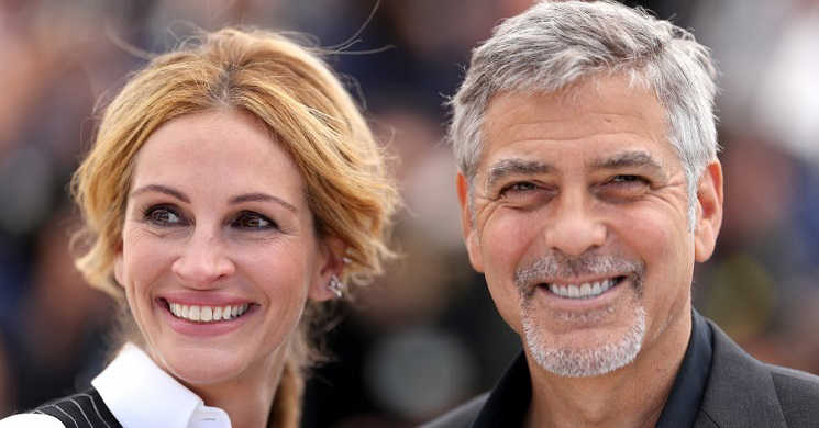 Julia Roberts e George Clooney no filme Ticket to Paradise
