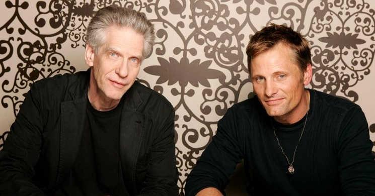 David Cronenberg e Viggo Mortensen juntos no filme Crimes of the Future