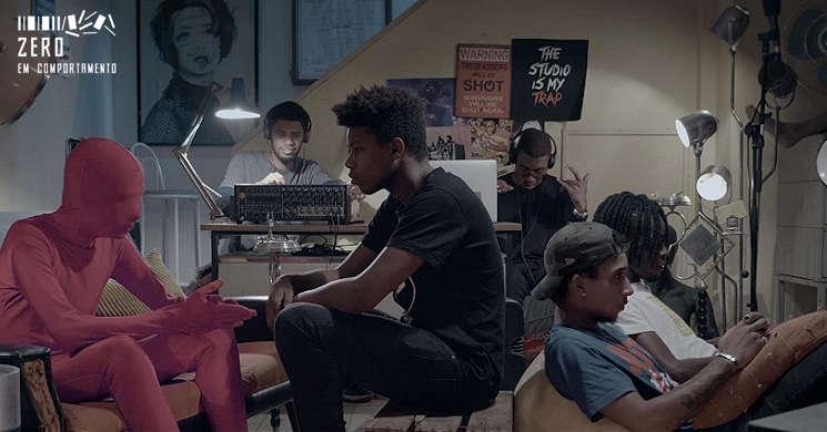 Filme Rapaz Só no videoclube Zero em Comportamento