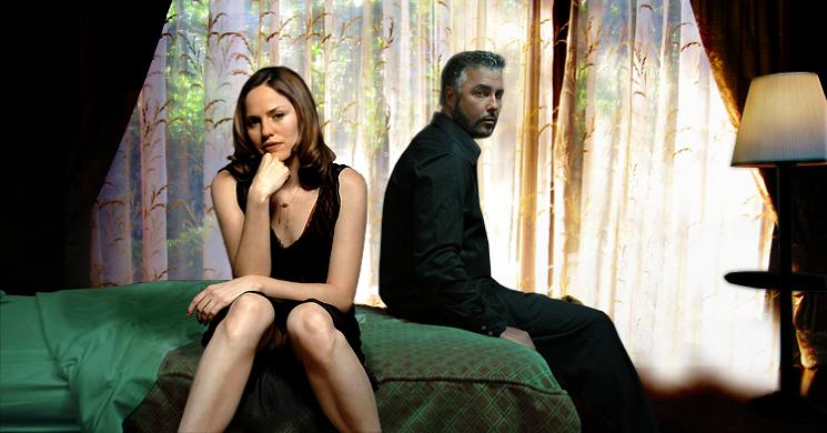 """Sara Sidle e Gil Grissom na série """"CSI: Crime sob Investigação"""""""