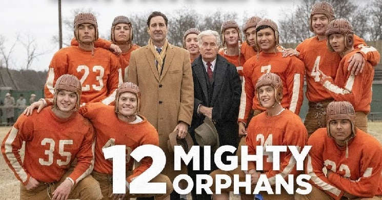 12 MIGHTY ORPHANS - Trailer Oficial