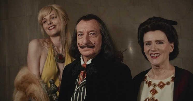 Primeira imagem de Ben Kingsley no papel de Salvador Dali