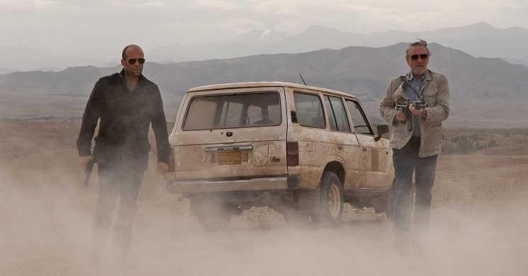 """Jason Statham e Robert De Niro no filme """"Killer Elite – O Confronto"""""""